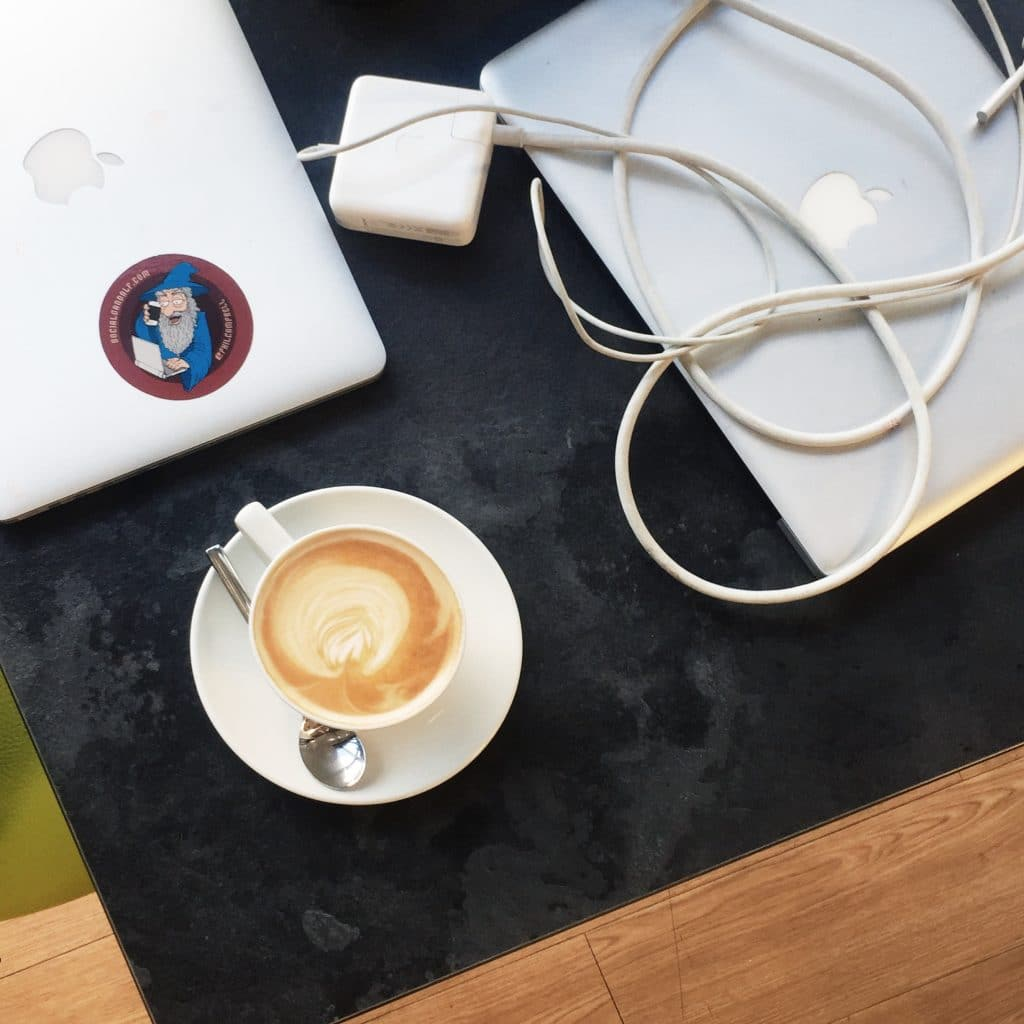 laptop club with coffee